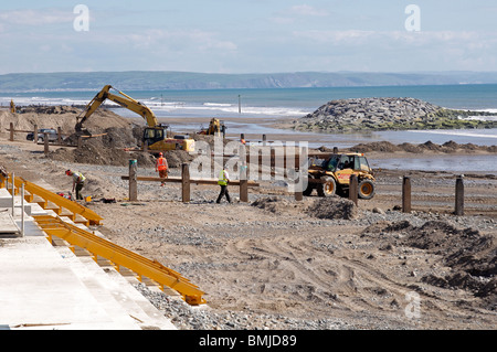 Replacement and updating of the sea defences along the sea-front at Tywyn, Gwynedd. - Stock Photo