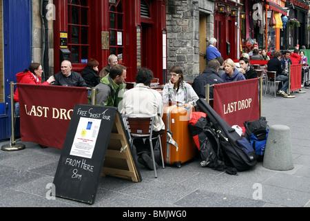 Last Drop Pub, Grassmarket, Edinburgh, Scotland - Stock Photo
