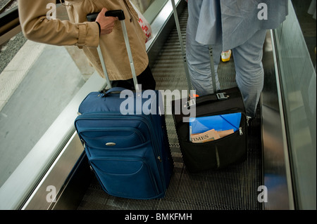 London, England, UK, Great Britain, Tourists Traveling in Train Station, Detail, Luggage with Wheels - Stock Photo