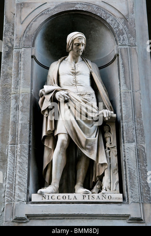 Statue of Nicola Pisano, Uffizi, Florence (Firenze), UNESCO World Heritage Site, Tuscany, Italy, Europe - Stock Photo