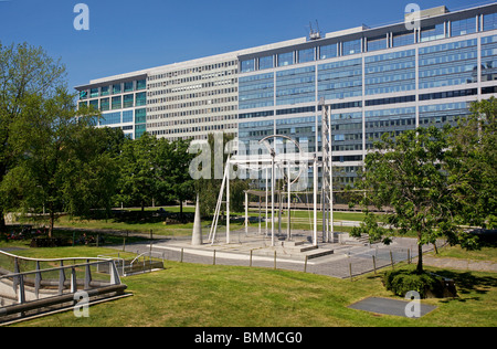 Jardin Atlantique, Gare Montparnasse, Paris, France - Stock Photo