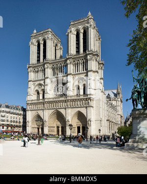 Notre Dame, Paris, west front with twin towers. 1200-1225, gothic. - Stock Photo