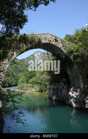 Puenta de Vidre Roman Bridge over the Rio Cares, Picos de Europa, Asturias, Spain. - Stock Photo