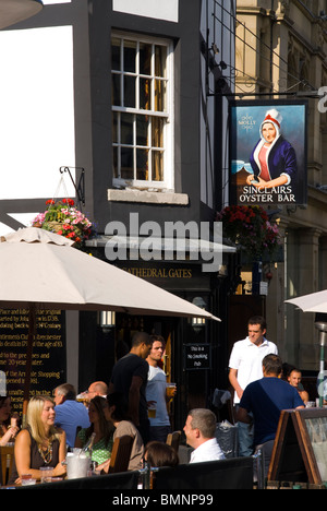Manchester, Sinclairs Oyster Bar Pub - Stock Photo