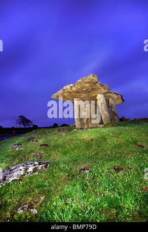 The Poulnabrone Dolmen, The Burren, Co Clare. Ireland. - Stock Photo
