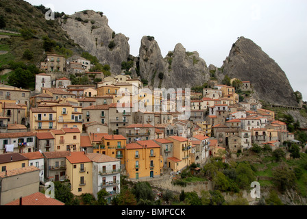 Town Castelmezzano in Piccolo Dolomiti, Basilicata, Italy - Stock Photo