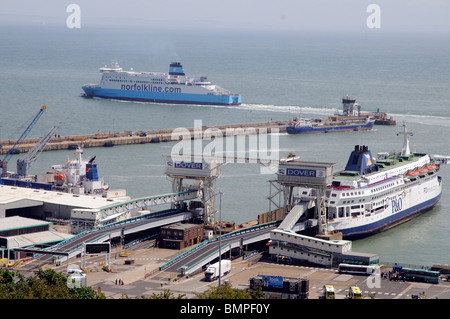 Cross channel ferries Port of Dover Kent England UK Norfolkline's Maersk Dunkerque and P&O Pride of Dover - Stock Photo