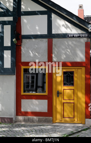 Fachwerkhaus in Goslar, Niedersachsen, Deutschland. - Half-timbered house in Goslar, Lower Saxony, Germany. - Stock Photo