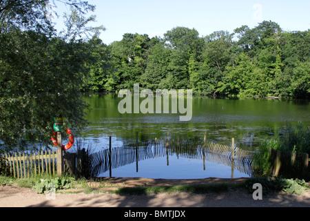 Highgate ponds Hampstead Heath London - Stock Photo
