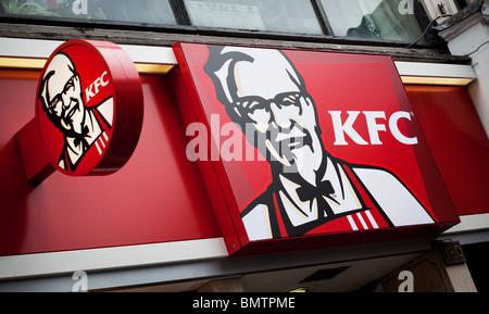 KFC, Kentucky Fried Chicken, fast food restaurant, London, UK - Stock Photo
