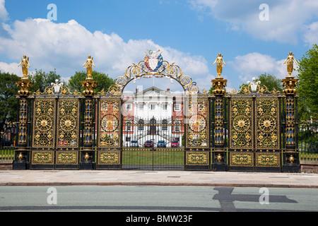 Warrington town hall gates known locally as the Golden Gates. - Stock Photo