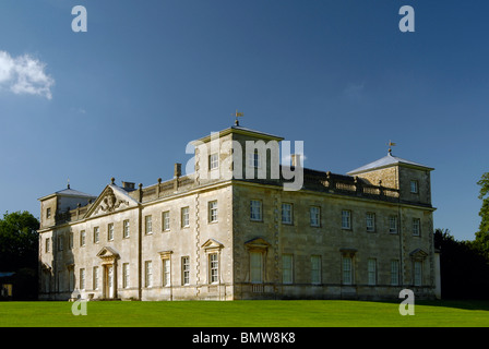 The Palldian style Lydiard House in Swindon, Wiltshire, UK against a deep blue sky. - Stock Photo