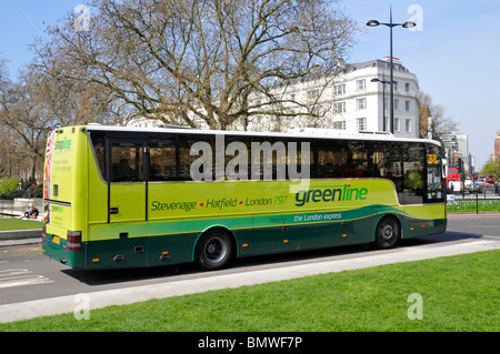 Green line coach at Marble Arch London - Stock Photo