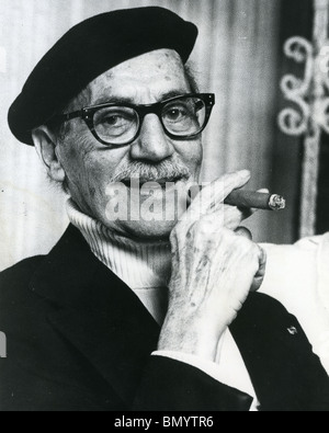 JULIUS 'Groucho' MARX  (1890-1977)  American comedian and one of the Marx Brothers here about 1965 - Stock Photo