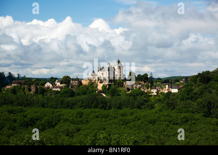 Chateau de Montfort is a castle in the French commune of Vitrac in the dordogne departement part of the region of - Stock Photo