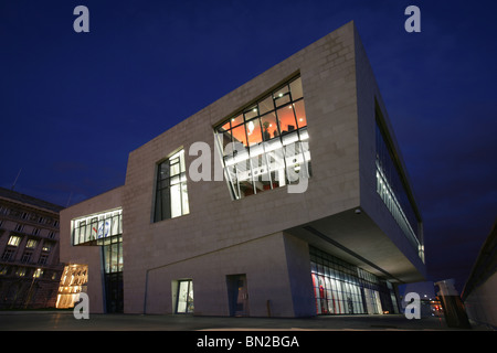 City of Liverpool, England. Night view of the Mersey Ferry terminal building at Liverpool's Pier Head. - Stock Photo
