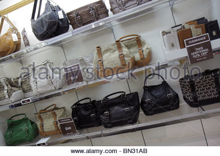 michael kors handbags on sale outlet snye  Naples Florida Estero Miromar Outlets retail mall brand designer  discount Michael Kors handbag clearance shopping