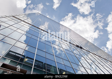 The Headquarters of Barclays Bank in Canary Wharf, the new financial centre in the Docklands of London - Stock Photo