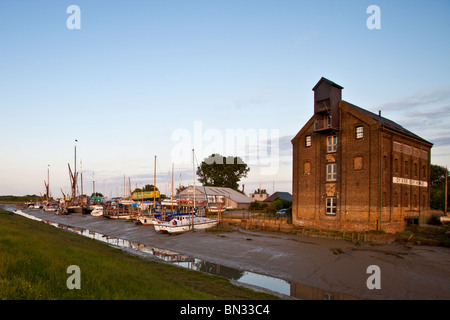 Boatyard and Oyster Bay House, Faversham Creek, Faversham, Kent, England - Stock Photo