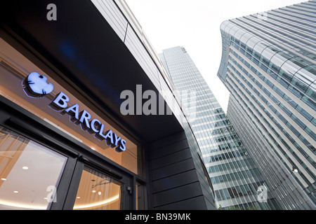 Headquarters of Barclays Bank in Canary Wharf, the new financial centre in the Docklands of London - Stock Photo