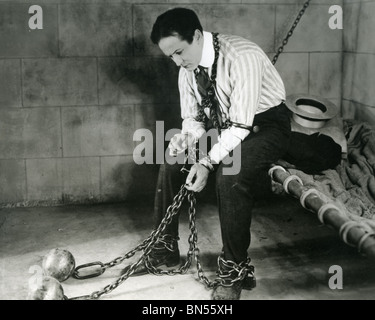 HARRY HOUDINI (1874-1926) Hungarian-American escapologist and magician - Stock Photo