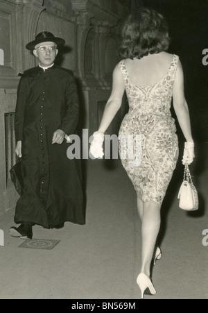 Women S Fashion 1958 Stock Photo 68845467 Alamy