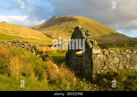 Bheinn Talaid from a ruined cottage near Tomsléibhe bothy in Glen Forsa, Isle of Mull, Scotland, UK - Stock Photo
