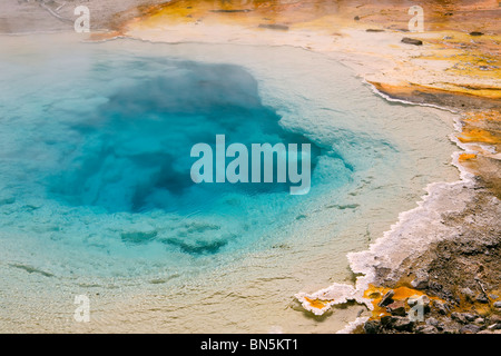 Silex Spring in the Lower Geyser Basin in Yellowstone National Park, Wyoming, USA. Geyser, hotspring, fumerol. - Stock Photo