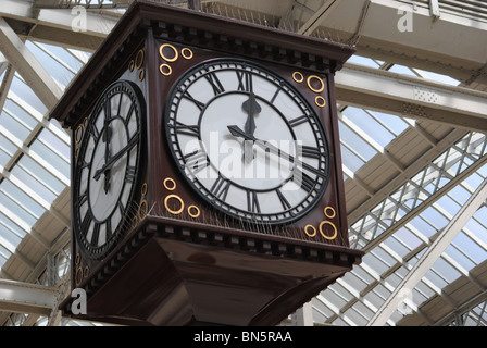 The main clock in Glasgow Central Railway Station - Stock Photo