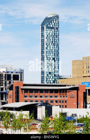 The Beetham Tower West, Liverpools tallest building (2008) at 90 metres 295 feet high and Crowne Plaza Hotel - Stock Photo