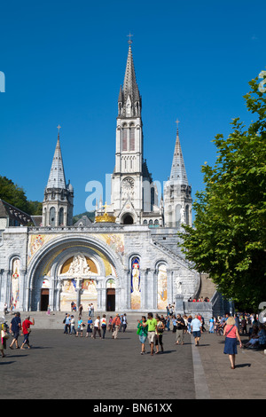 Basilika du Rosaire, Lourdes, Hautes-Pyrenees, France - Stock Photo