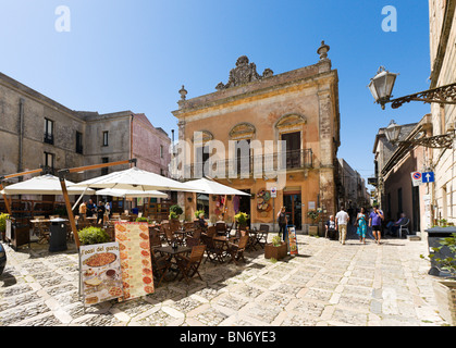 Restaurant in Piazza Umberto (the Main Square), Erice, Trapani region, North West Sicily, Italy - Stock Photo