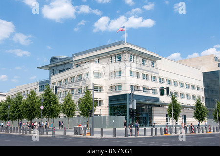 Exteror view of new Embassy of United States of America in Berlin Germany - Stock Photo