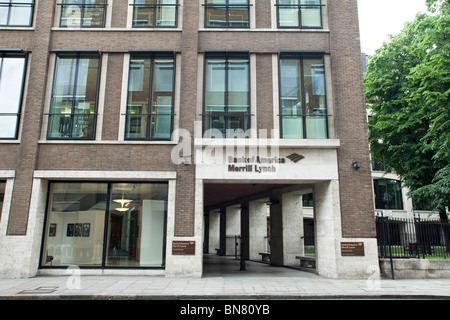Offices of Merrill Lynch and Bank of America in London - Stock Photo