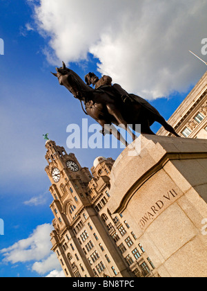 Statue of King Edward VII by Sir William Goscombe John in front of Royal Liver Building on the Pier Head in Liverpool - Stock Photo