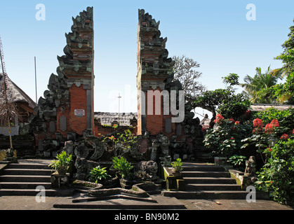 Split gateway, or Candi Bentar to Pura Penataran Sasih Temple in Pejeng village, near Ubud, Bali. Indonesia - Stock Photo