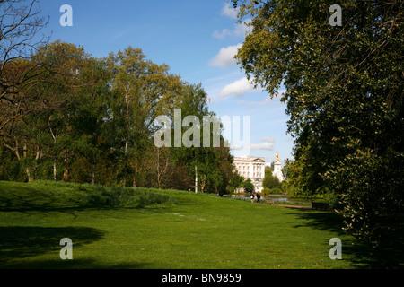 View through St James's Park to Buckingham Palace, St James's, London, UK - Stock Photo