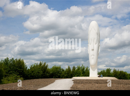 Dream, a 20m high sculpture, sited on an old colliery site at Sutton Manor St Helens. It takes the form of a girls - Stock Photo