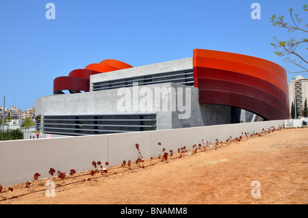 Israel, Holon exterior of the Design museum (Designed by Ron Arad Architects) - Stock Photo
