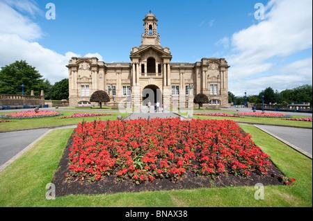 Cartwright Hall Lister Park, Bradford,  West Yorkshire, UK - Stock Photo