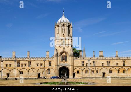 Tom Tower and Quadrangle, Christ Church College, Oxford, England, UK - Stock Photo