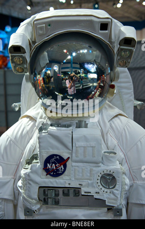 astronaut helmet from kennedy space center - photo #8