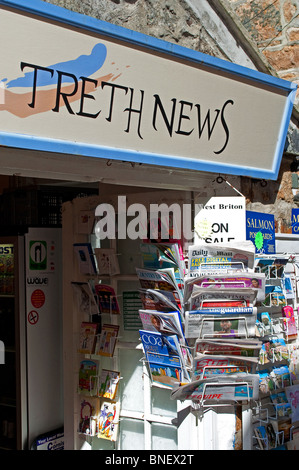 a small newsagents shop in st.ives, cornwall, uk - Stock Photo