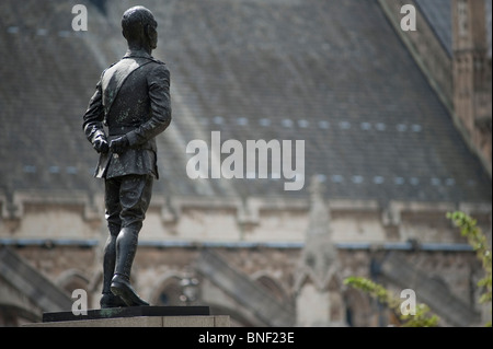 Field Marshal Jan Christian Smuts Statue at Parliament Square in central London with Westminster Hall in the background - Stock Photo