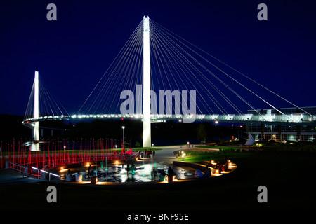 USA,   Nebraska,   Omaha,   Bob Kerrey Pedestrian Bridge - Stock Photo