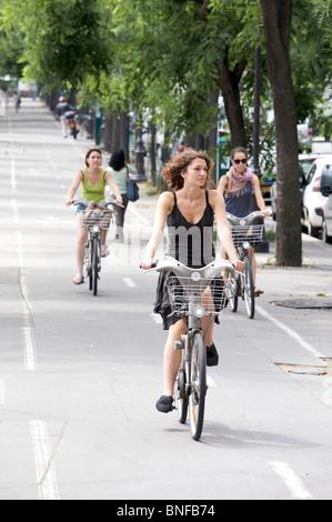 Velib cycle hire scheme, Paris, France - Stock Photo
