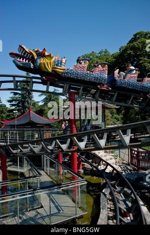 Paris, France, Urban Parks, Gardens, 'Bois de Boulogne' Families Riding Roller Coaster, Theme Park - Stock Photo