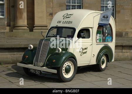 Creme Cone of Leeds traditional ice cream van, York, North Yorkshire, England, UK - Stock Photo