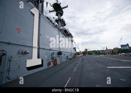 The island and flight deck of the US Navy's amphibious assault ship USS WASP during the 2010 Fleet Review in Halifax, - Stock Photo