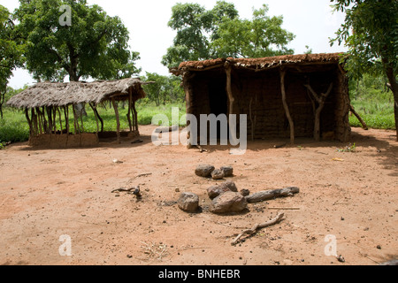 Abandoned homestead in the Gonja triangle, Damango district, Ghana. - Stock Photo